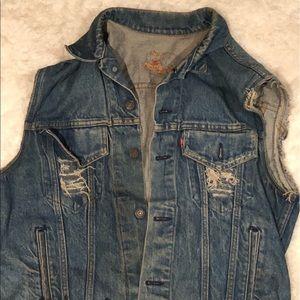 Vintage distressed Levis vest